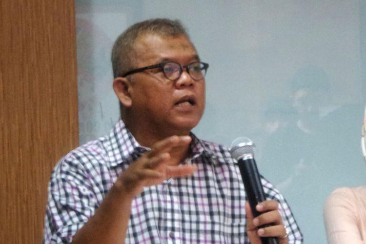 Akademisi Hukum Pidana Abdul Fickar Hadjar saat memberikan keterangan pers di kantor Indonesia Corruption Watch (ICW), Kalibata, Jakarta Selatan, Minggu (11/6/2017).