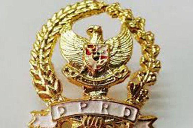 Ilustrasi Pin Emas DPRD