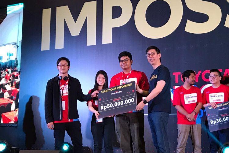 Juara Pertama Toyota Fun/Code mendapatkan hadiah senilai Rp 50 juta