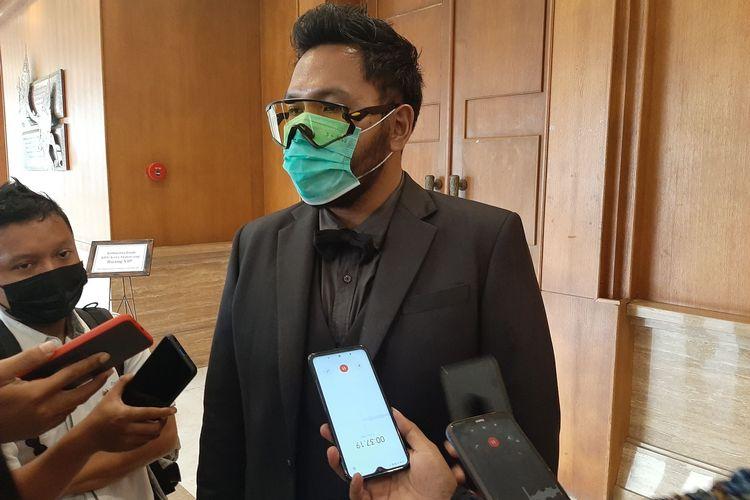 Ketua Komisi Pemilihan Umum (KPU) Kota Semarang Henry Casandra Gultom saat rapat pleno terbuka rekapitulasi hasil penghitungan suara Pilkada serentak di Rama Shinta Ballroom, Hotel Patrajasa, Rabu (16/12/2020).