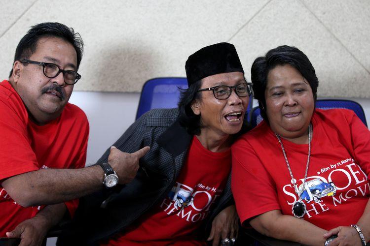 Artis peran Rano Karno, Mandra, dan Suti Karno di sela wawancara promo film Si Doel The  Movie di kantor redaksi Kompas.com, Jakarta, Selasa (17/7/2018). Film ini akan mulai tayang di bioskop mulai 2 Agustus 2018.