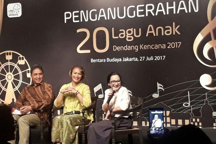 Chica Koeswoyo (paling kanan) diabadikan dalam gelaran acara Penganugerahan 20 Lagu Anak Dendang Kencana 2017, di Bentara Budaya Jakarta, Jakarta Pusat, Kamis (27/7/2017),
