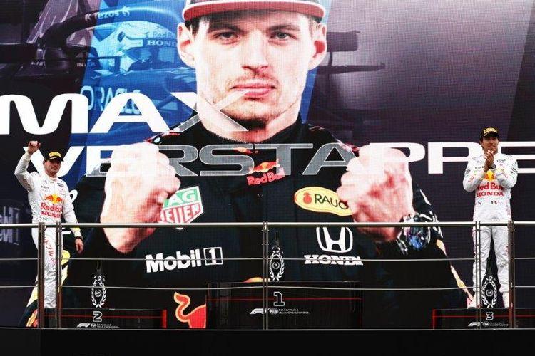 Max Verstappen dan Sergio Perez di F1 Istanbul