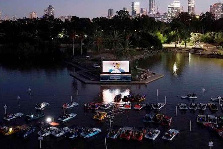 Bioskop terapung di Tel Aviv