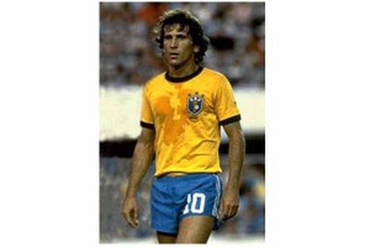 Zico ketika masih menjadi pemain andalan Brasil di era 1980-an.