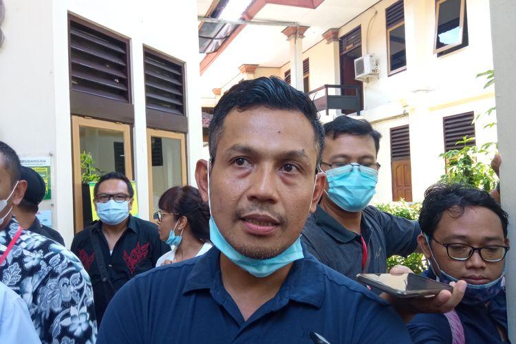 Personel grup musik Superman is Dead atau SID, yakni Bobby Kooldi PN Denpasar, Kamis (19/11/2020)..