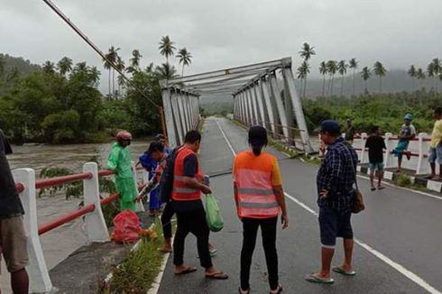 Rusak Diterjang Banjir Bandang, Jembatan Waikaka Belum Juga Diperbaiki