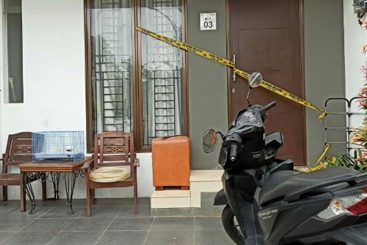 Seorang pria bernama Azwar (36) tega tusuk Siska (40), yang tak lain merupakan istri sendiri di salah satu perumahan di kawasan Paku Jaya, Serpong Utara, Tangerang Selatan, Selasa (4/2/2020) dini hari.