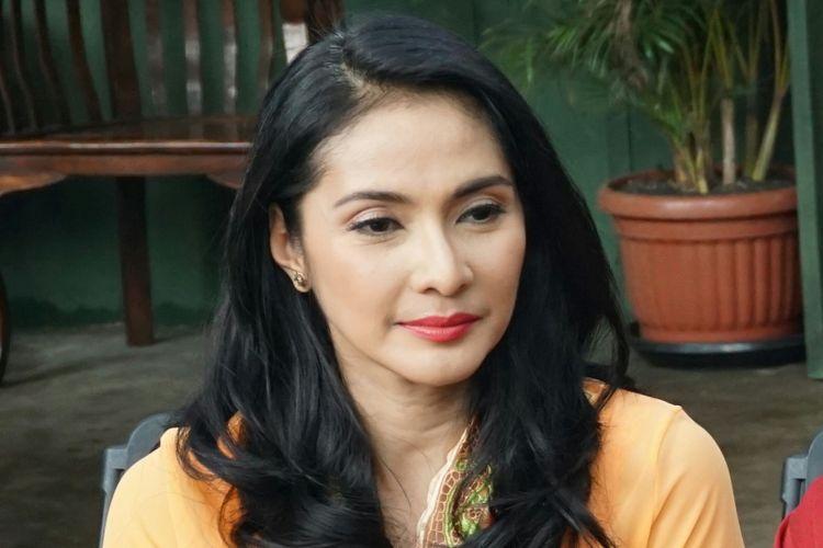 Artis peran Maudy Koesnaedi dalam jumpa pers Si Doel The Movie di kawasan Karang Tengah, Lebak Bulus, Jakarta Selatan, Rabu (7/3/2018).