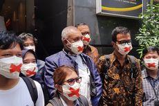 Haris Azhar-Fatia Datangi Mapolda Metro Pakai Masker dengan Silang Merah, Pengacara: Artinya Ada Pembungkaman