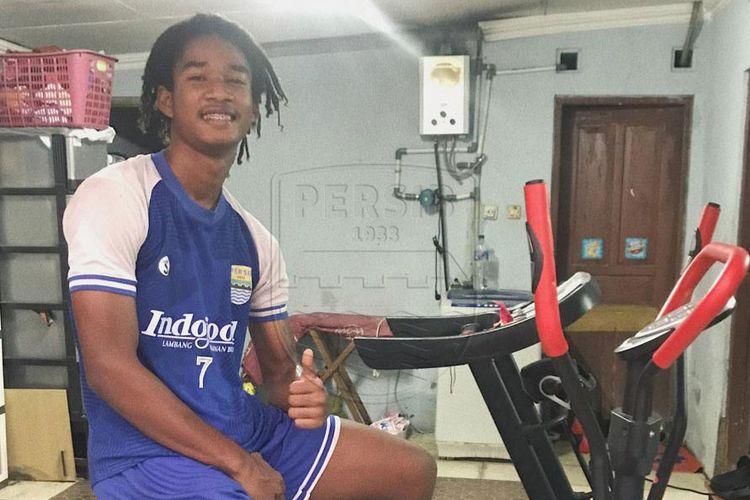 Penyerang Persib U-16, Ronaldo Joybera Kwate.