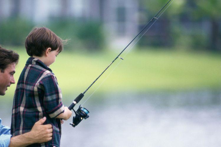 Ilustrasi memancing bersama