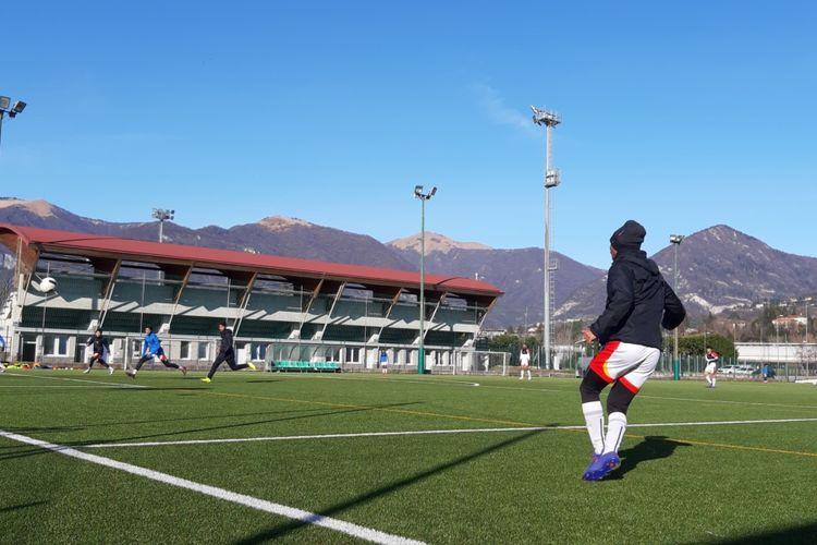 Sesi latihan tim Garuda Select II di pusat pelatihan di Como, Italia, Senin (20/1/2020).