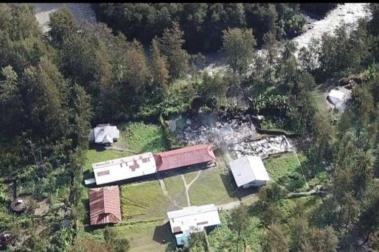 Lokasi sekolah di Distrik Beoga, Kabupaten Puncak, Papua, yang sejumlah bangunannya dibakar oleh KKB pada Kamis (8/4/2021) lalu, Papua, Jumat (9/4/2021)