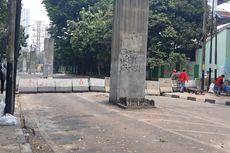 Jalan Gelora di Belakang DPR RI Masih Ditutup Usai Kerusuhan Semalam