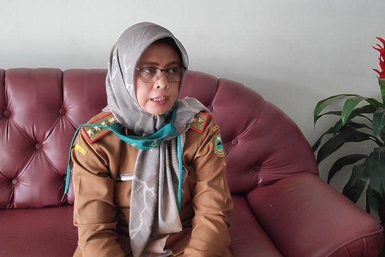 Kepala Dinas Kesehatan Kabupaten Kuningan Jawa Barat, Susi Lusiyanti, menerangkan langkah penanganan pasca 19 petugas RSUD 45 positif Covid-19, kepada Kompas.com pada Selasa (4/8/2020)