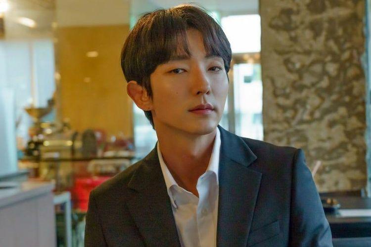 Aktor Korea Selatan Lee Joon Gi membiacarakan pengalaman syuting bersama Moon Chae Won di drama Flower of Evil