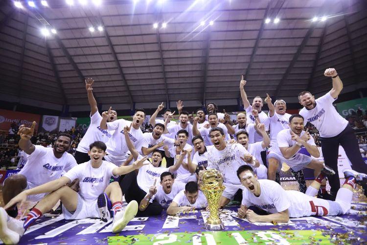 Stapac Jakarta berhasil menjuarai IBL Pertamax 2018-2019 setelah mengalahkan Satria Muda Pertamina Jakarta pada babak final kedua di GOR C-Tra Arena, Bandung, Jawa Barat, Sabtu (23/3/2019).