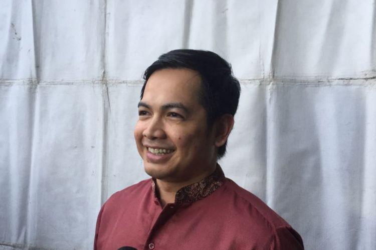 Tommy Kurniawan berpose dalam sebuah acara di Lapangan Blok S, Kebayoran Baru, Jakarta Selatan, Sabtu (26/5/2018).