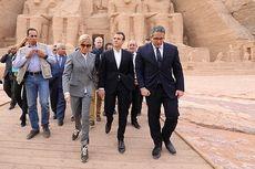 Istri Presiden Perancis Tampil Kasual dengan Sneakers Rp 11 Juta