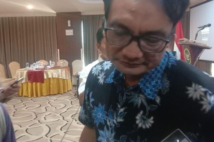 Ketua Komisi Pemilihan Umum (KPU) Jawa Tengah Yulianto Sudrajat menghadiri diskusi dengan Kemenkopolhukam di MG Setos Semarang, Kamis (12/9).