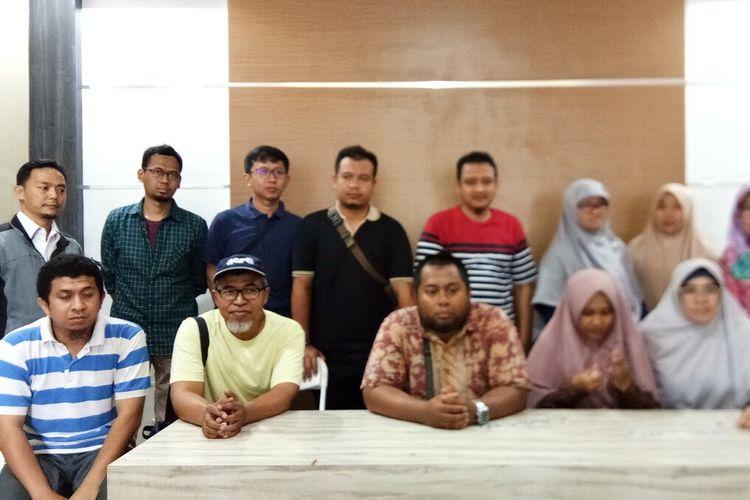 Sejumlah warga yang mengaku menjadi korban dugaan penipuan yang dilakukan PT ABP selaku pengembang rumah syariah di kawasan Kemang, Kabupaten Bogor, menggelar pertemuan untuk membahas kasus tersebut, Rabu (26/2/2020).