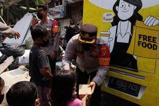 Antisipasi Potensi Kerawanan, Polsek Cilandak Bagikan 500 Nasi Kotak ke Pemulung