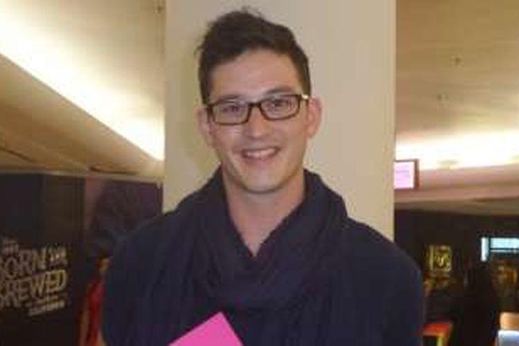 Mike Lewis dalam acara amal