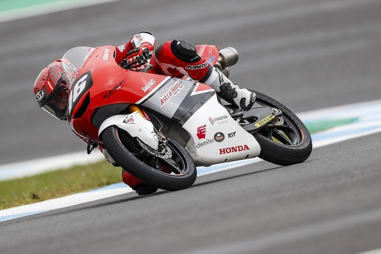 Pebalap muda Indonesia yang berada di bawah binaan Astra Honda Racing Team (AHRT), Mario Suryo Aji, tampil pada ajang FIM CEV Moto3 Junior World Championship.