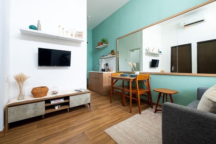 Seperti namanya, konsep urban modern mengutamakan sisi modern tapi tetap lembut dan nyaman. Adapun penggunaan perabotan lebih mengutamakan pada nilai fungsionalitas dan kesederhanaan.
