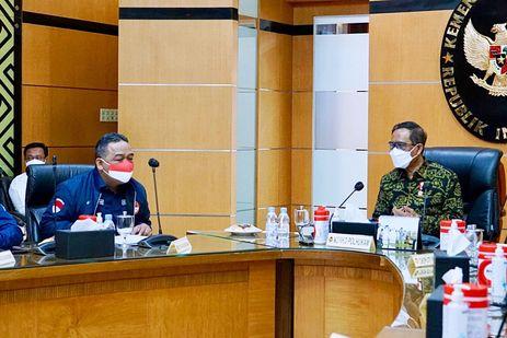 Temui Menko Polhukam, Kepala BP2MI: Penempatan Ilegal PMI Adalah Kejahatan Serius