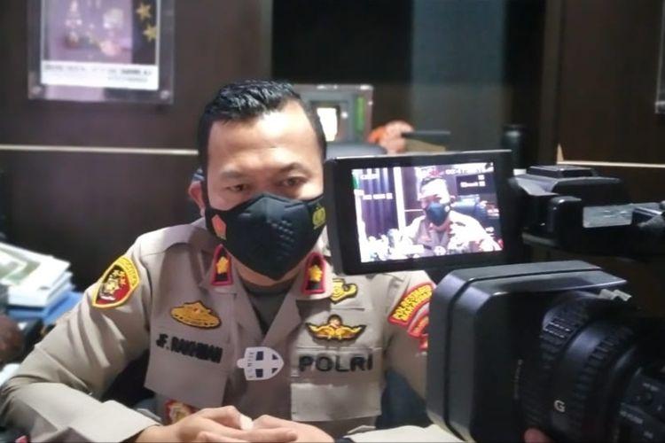 Kapolsek Panakkukang Kompol Jamal Fathurrahman saat diwawancara terkait kasus pembunuhan selebgram Ari Pratama di Mapolsek Panakkukang, Senin (8/3/2021).