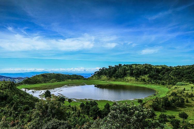 Tempat wisata di Kabupaten Banjarnegara - Telaga Dringo di Dataran Tinggi Dieng, Kabupaten Banjarnegara, Jawa Tengah.