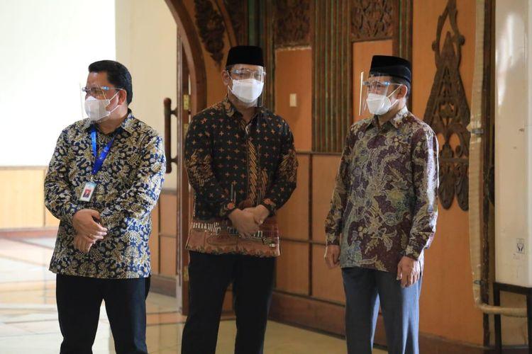 Wali Kota Semarang Hendrar Prihadi (tengah) dalam salah satu kesempatan.
