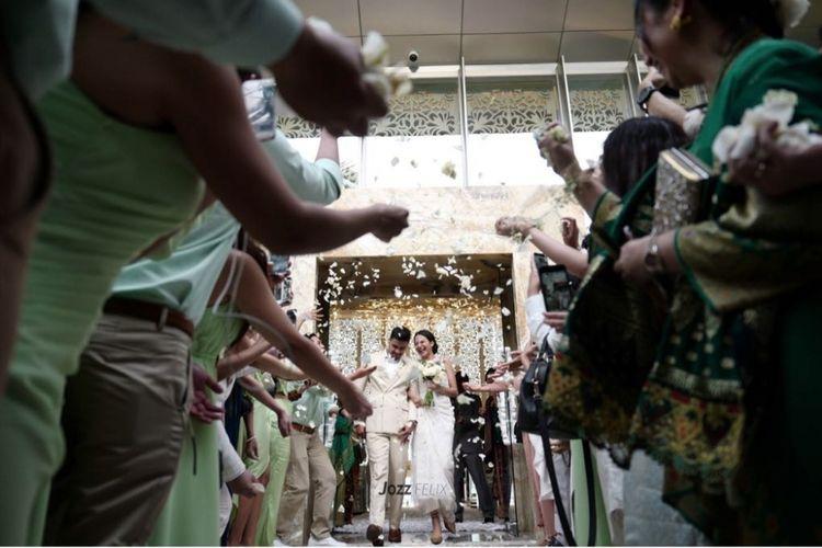 Chicco Jerikho dan Putri Marino resmi menikah di Bali (3/3/2018).