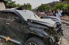 Pajero Tertabrak KA Sritanjung di Surabaya, 3 Orang Tewas