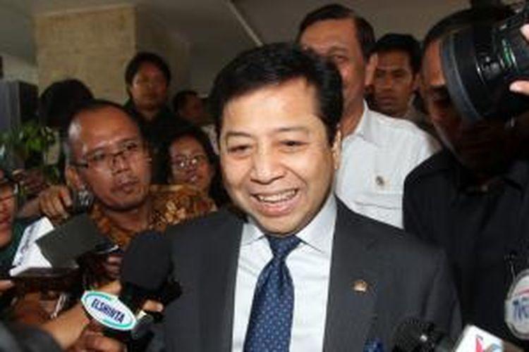 Ketua DPR RI Setya Novanto meninggalkan Wisma Negara setelah menemui Kepala Staf Kepresidenan Luhut Pandjaitan, Jakarta, Kamis (15/1/2015).