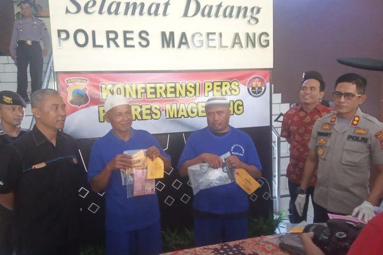 Dua tersangka perjudian Pilkades Magelang dihadirkan saat gelar perkara di Mapolres Magelang, Selasa (26/11/2019).