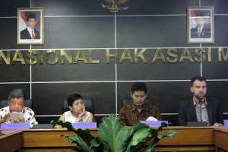 Human Rights Watch (HRW) meluncurkan laporan terkait diskriminasi terhadap kelompok lesbian, gay, biseksual dan transgender (LGBT) di Indonesia, Kamis (11/8/2016).
