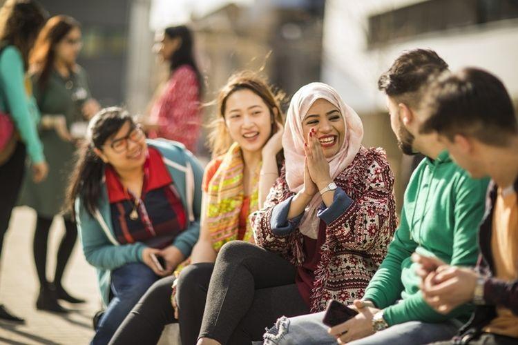 Ilustrasi mahasiswa internasional di Inggris.