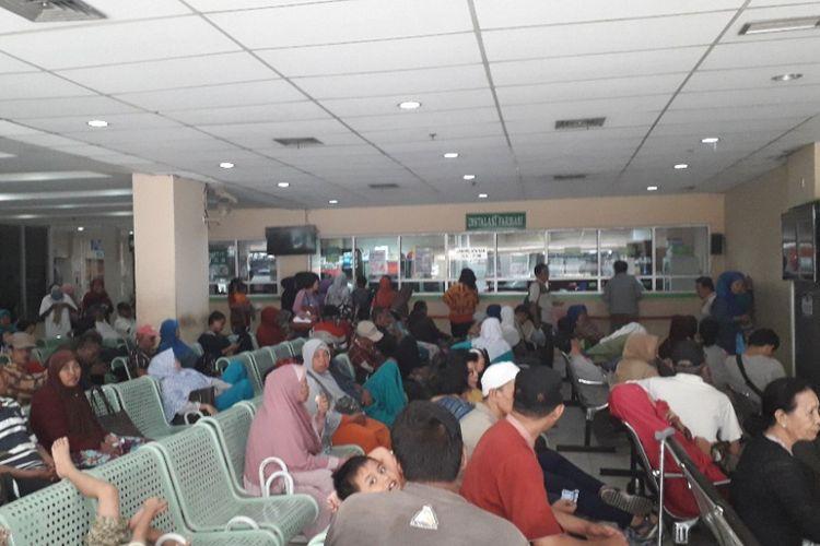 Suasana Ruang Tunggu Instalasi Farmasi di RSUD Koja, Rabu (12/9/2018).