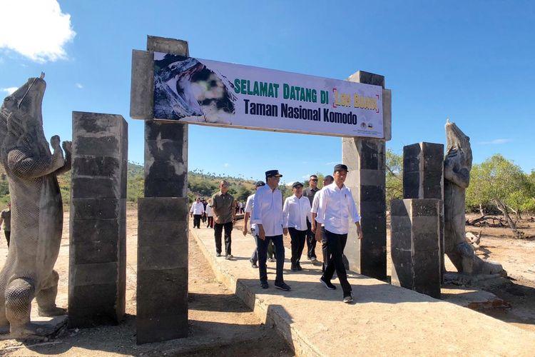 Presiden Jokowi saat mengunjungi Pulau Rinca, Kabupaten Manggarai Barat, Flores, Nusa Tenggara Timur, Kamis (11/7/2019).
