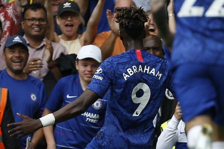 Tammy Abraham merayakan golnya pada pertandingan Chelsea vs Sheffield United di Stadion Stamford Bridge, 31 Agustus 2019.