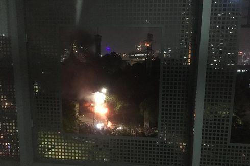 Warga dan Mahasiswa Panik, Polisi Tembakkan Gas Air Mata ke Stasiun Palmerah