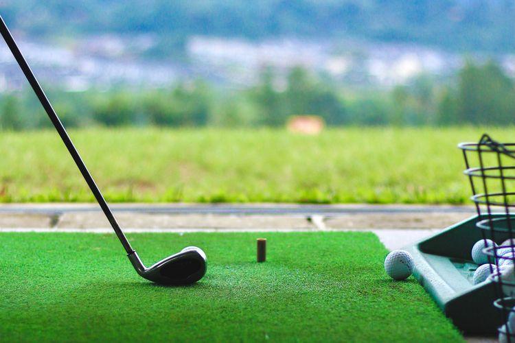 Ilustrasi olahraga golf di Sentul Highlands, Jawa Barat, 6 Februari 2021.