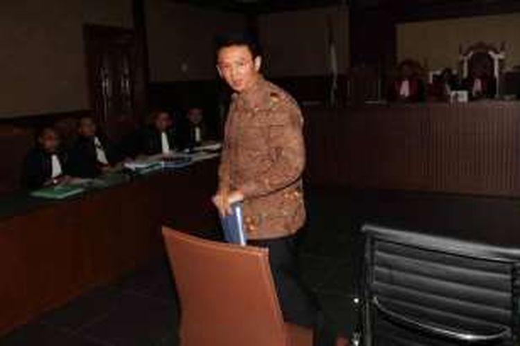 Gubernur DKI Jakarta Basuki Tjahaja Purnama (Ahok) hendak bersaksi di persidangan korupsi pengadaan uninterruptible power supply (UPS) pada APBD Perubahan 2014, di Pengadilan Tipikor, Jakarta Pusat, Kamis (4/2/2016).