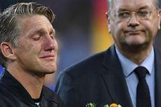 Mantan Gelandang Bayern dan Man United, Schweinsteiger, Resmi Pensiun