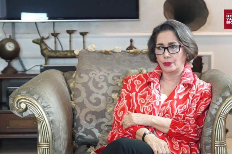 Widyawati mengenang momen di mana ia terlibat cinta lokasi dengan Sophan Sophiaan di film Pengantin Remadja