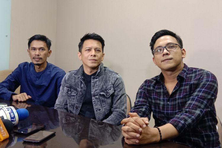 Tiga personel NOAH (kiri ke kanan) Lukman, Ariel, David, dalam sebuah acara di Lippo Mall Kemang, Jakarta Selatan, Jumat (17/5/2019).
