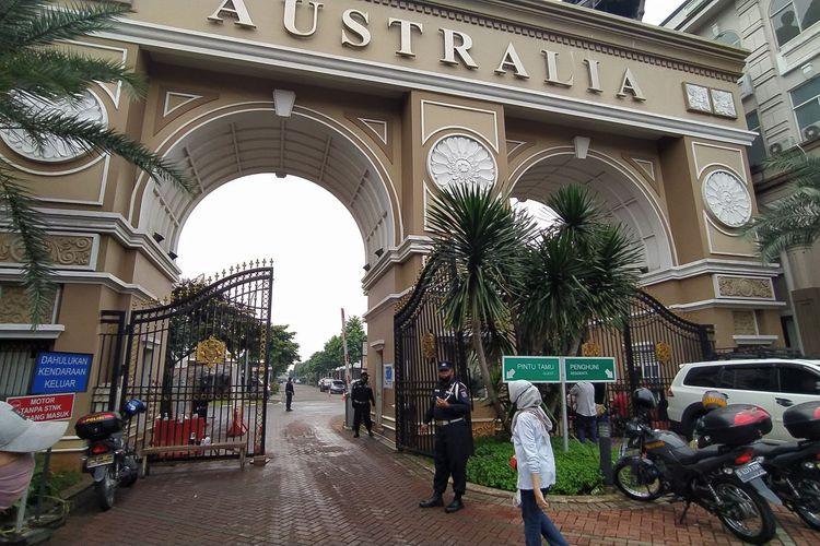 Pintu gerbang kluster Australia Green Lake City Kota Tangerang, Rabu (24/6/2020)